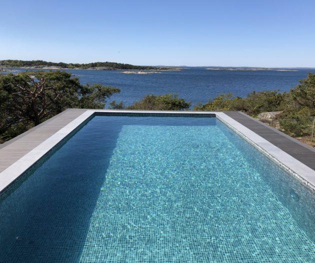 Att bada i sin egna pool är underbart, bjud in vänner och bekanta för ett dopp i er pool