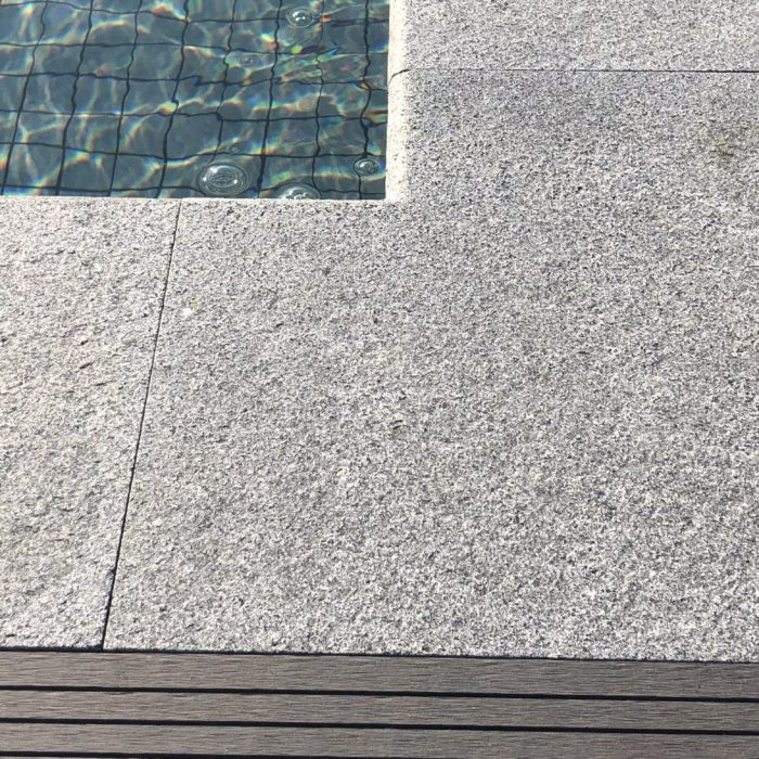 kantsten hörn grå granit